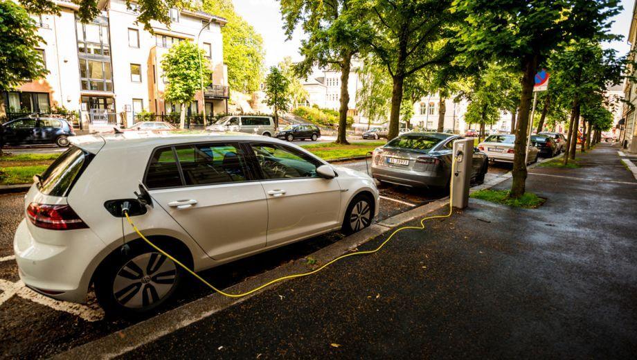 Elektrische auto opladen in het buitenland