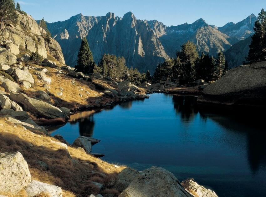 Nationaal Park Aiguestortes - Camping met laadpaal